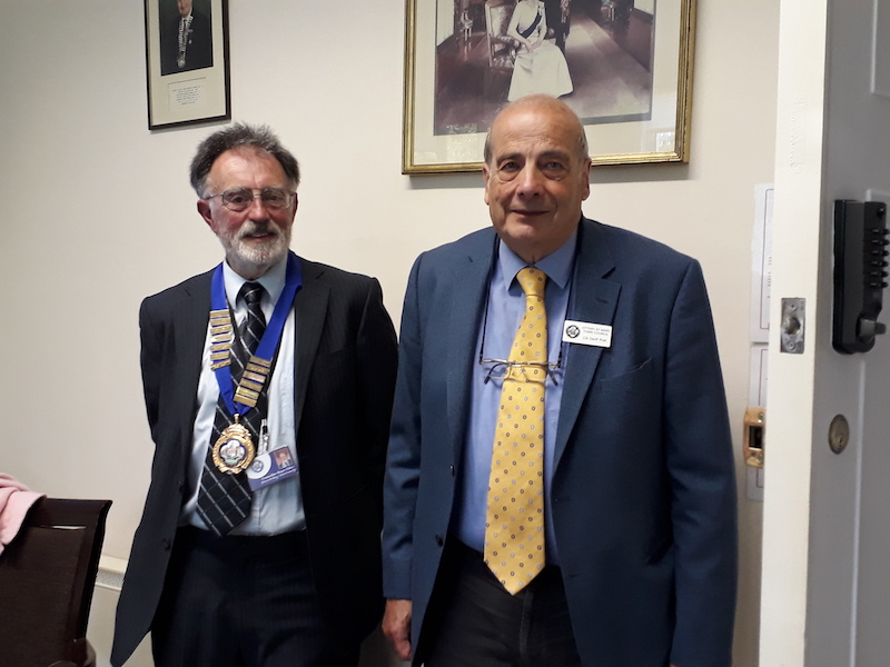 Roger Giles elected as Ottery Mayor after 28 years service